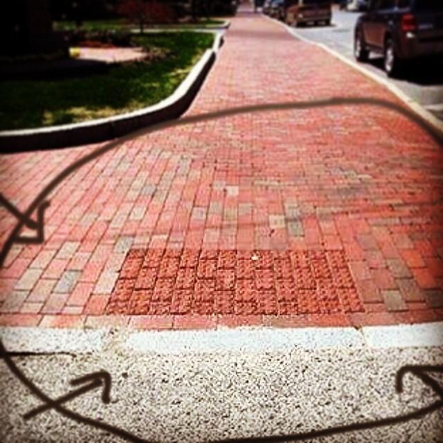 Brick-curbing